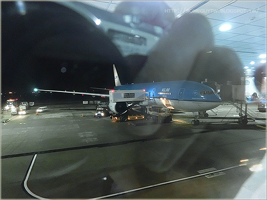 [飛行記錄] 台北 – 阿姆斯特丹 荷蘭航空 KLM 777-200 型(KL 808/807航班)