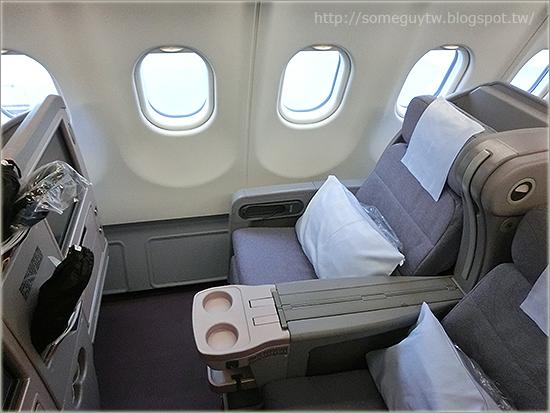 [飛行紀錄] 人生中第一次商務艙 中華航空 CI111 福岡-台北 & 機場貴賓室 (LOUNGE FUKUOKA)