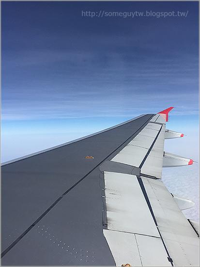 [飛行記錄] 國泰港龍航空 KA834 香港(HKG) – 上海 (PVG) 經濟艙 手機版AVOD記錄