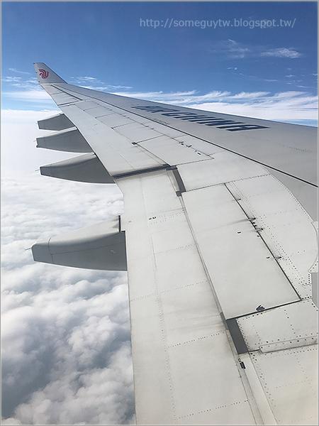 [飛行記錄] 中國國際航空 CA196 桃園(TPE)-上海(PVG) 經濟艙搭乘經歷與餐點表現
